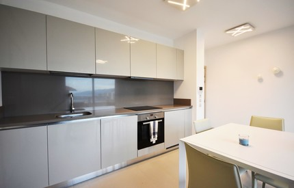 MODERN & FURNISHED 1 BED' NEAR MC  YEARLY RENTAL