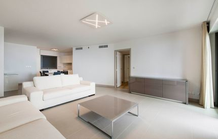 Stylish FURNISHED 2 BEDROOMS - Yearly RENTAL