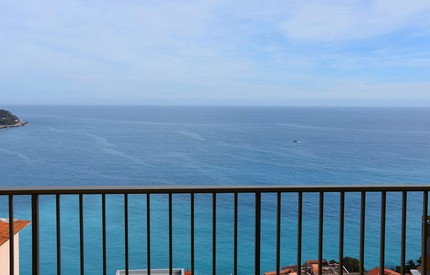 SEA VIEW 1 BED APARTMENT NEAR MONACO