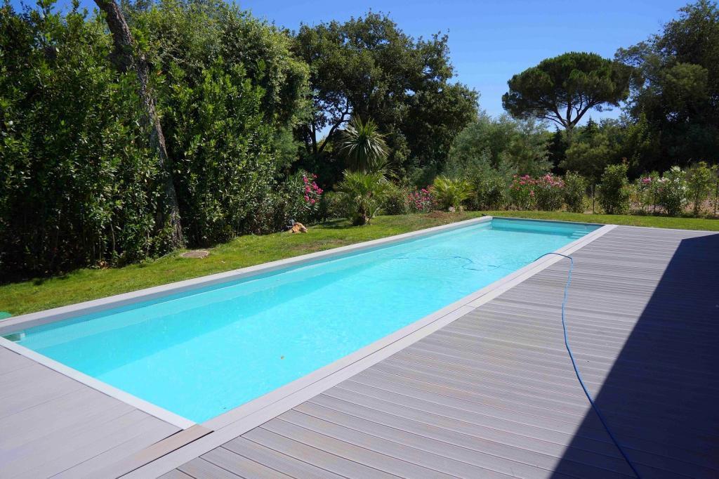 Saint tropez superbe villa avec piscine piras for Camping saint tropez avec piscine