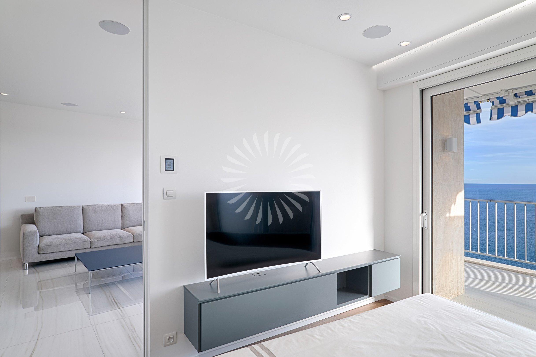 Appartamento moderno 3 camere vista mare piras for Appartamento moderno