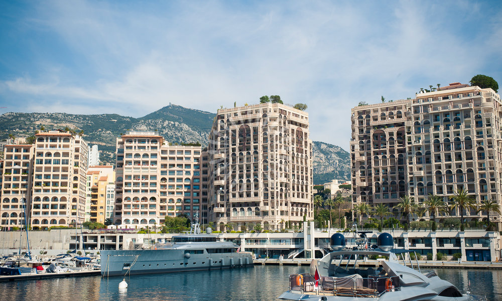 LARGE 3 BED APARTMENT IN MEMMO CENTER - FONTVIEILLE