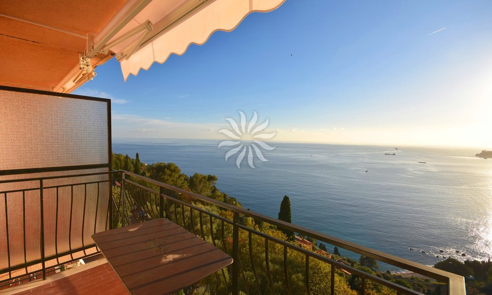 CAP MARTIN: Property with Breathtaking Views near Monaco
